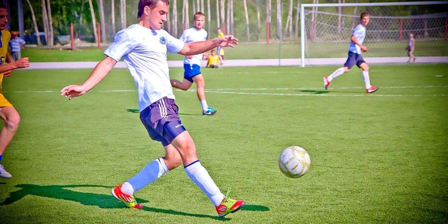 Зарплата футболиста в России